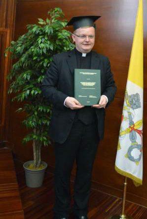 Paviša dovi doktor kanonskog prava